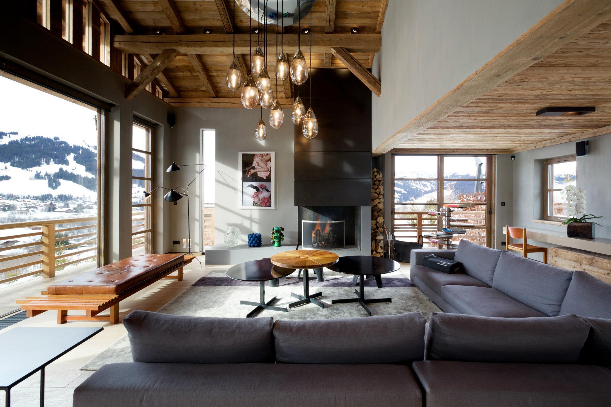 Современная гостиная в стиле шале