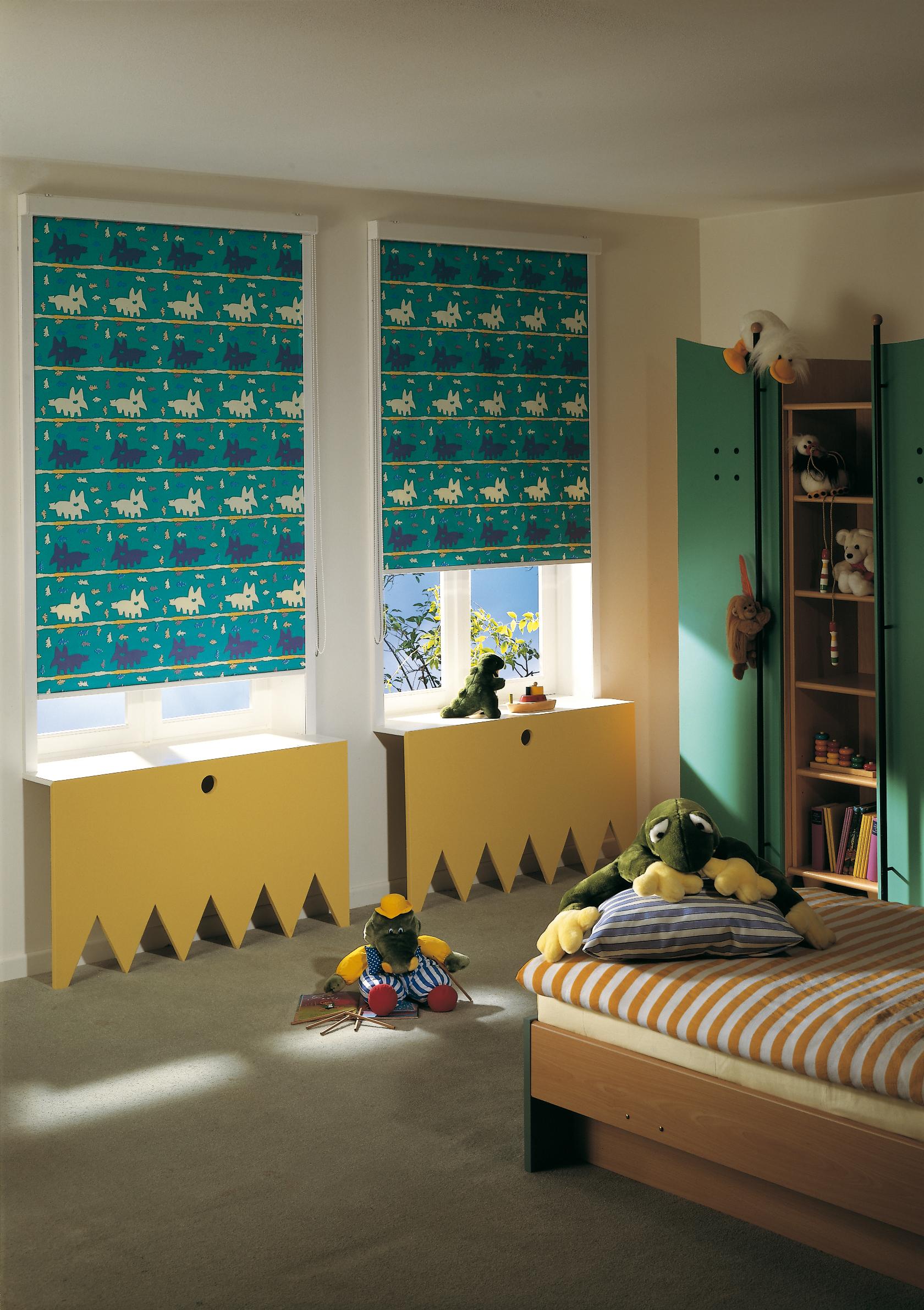 Рулонные шторы с принтом в детской