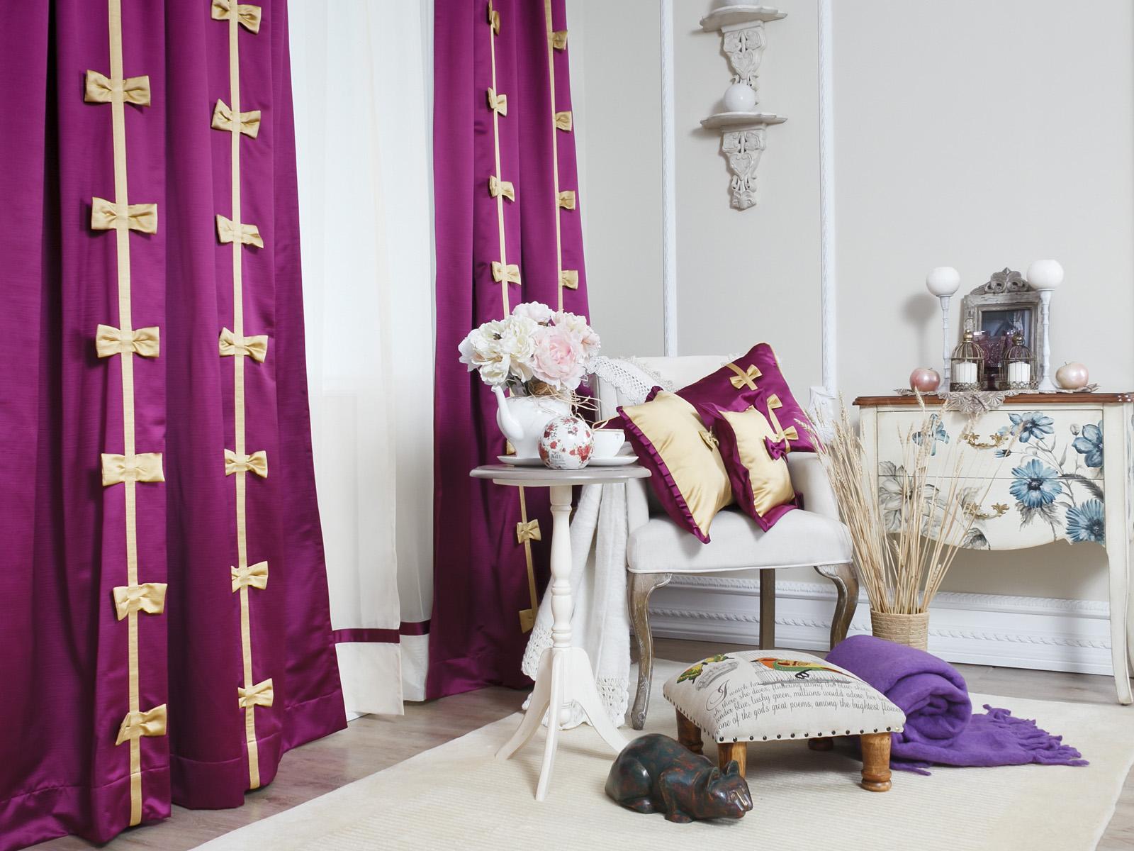 Яркие шторы с бантиками в детскую для девочки