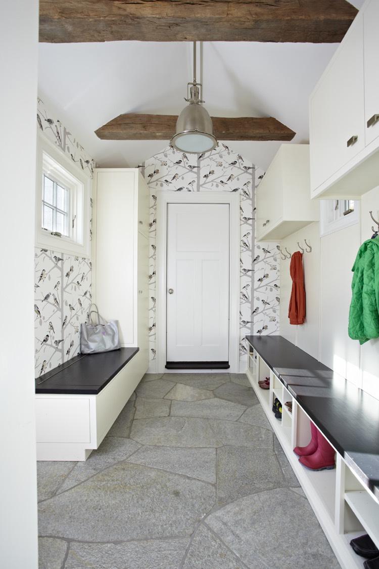 Прихожая в частном доме в скандинавском стиле