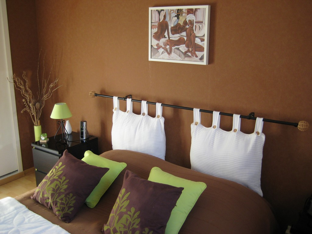 Сочетание коричневого цвета в интерьере спальни