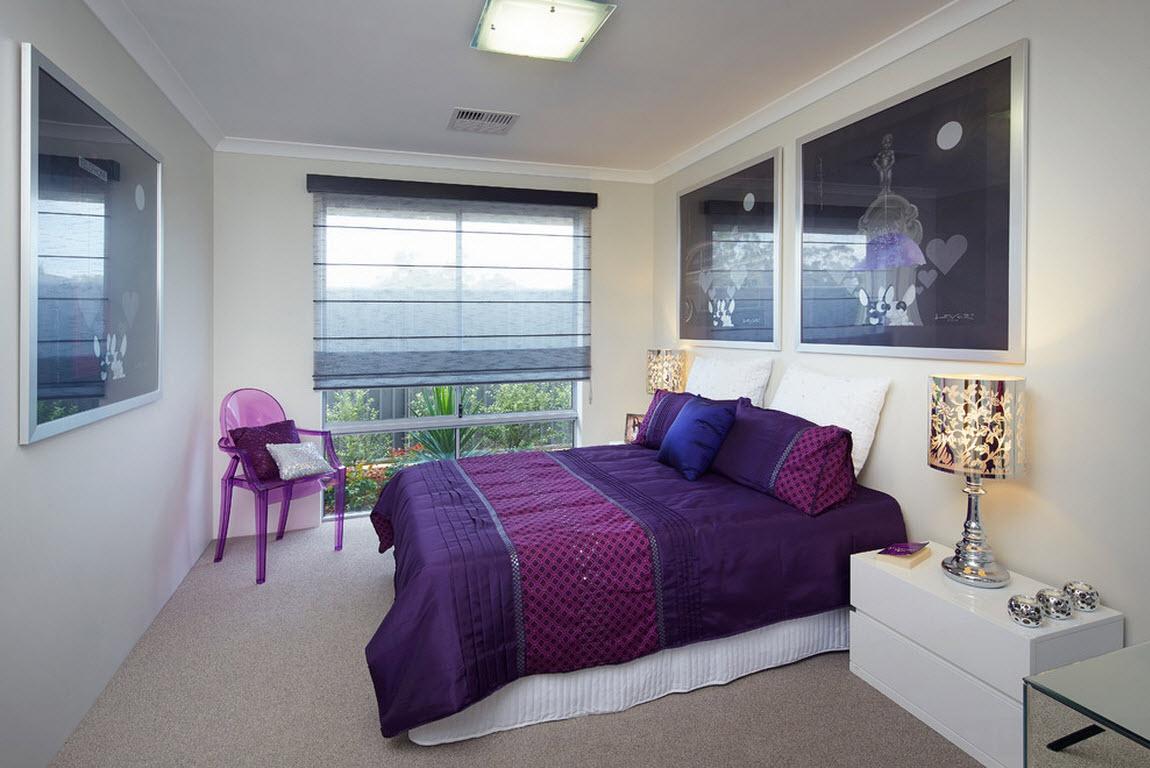 Фиолетовое постельное белье в белой спальне