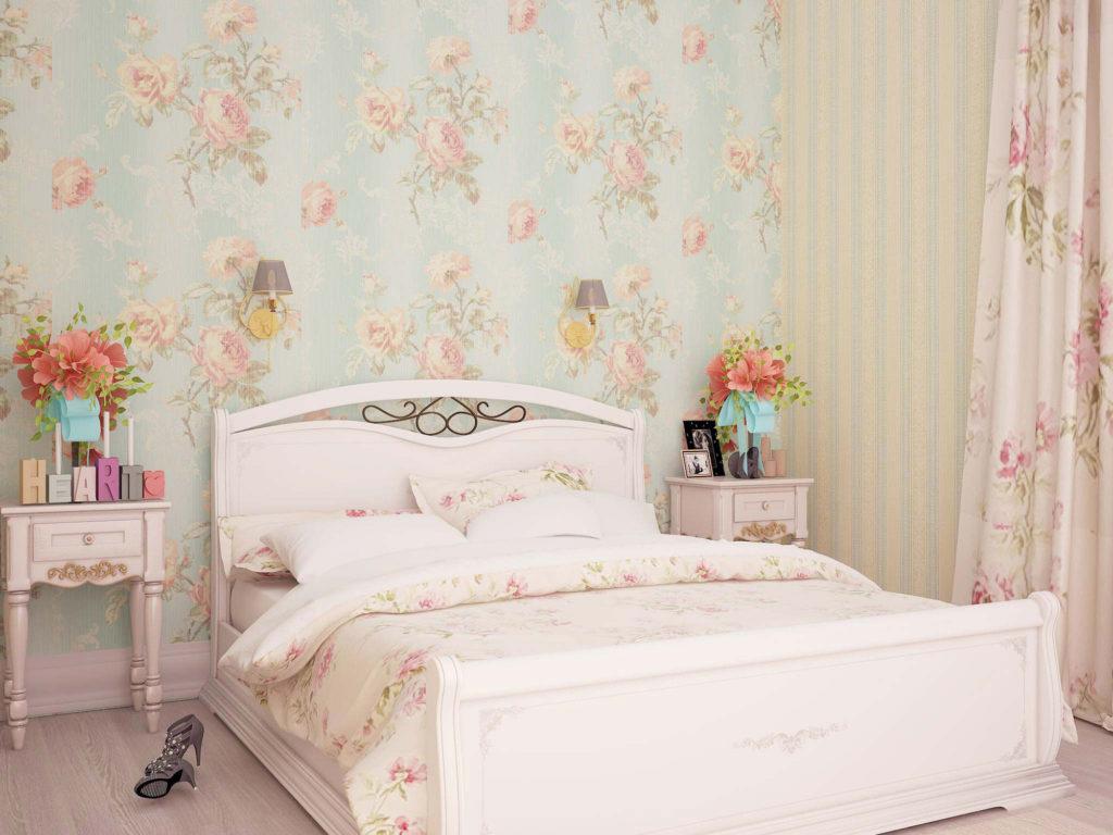 Цветочные обои в небольшой спальне