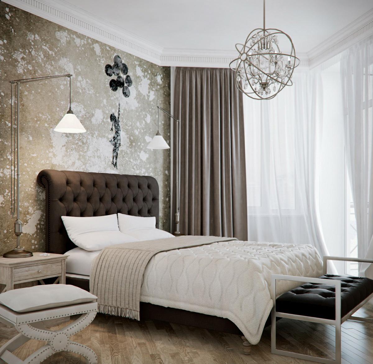 Высокие прикроватные светильники в спальне