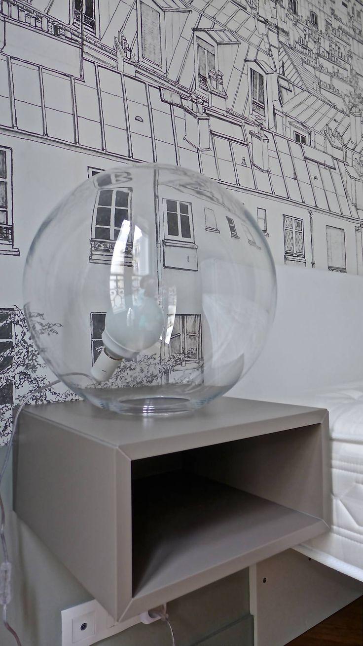 Прикроватный светильник из стекла