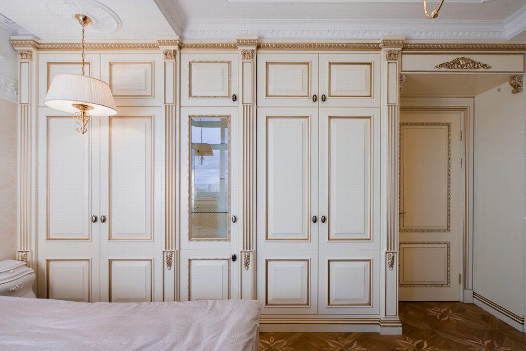 Шкафы в спальне в стиле прованс