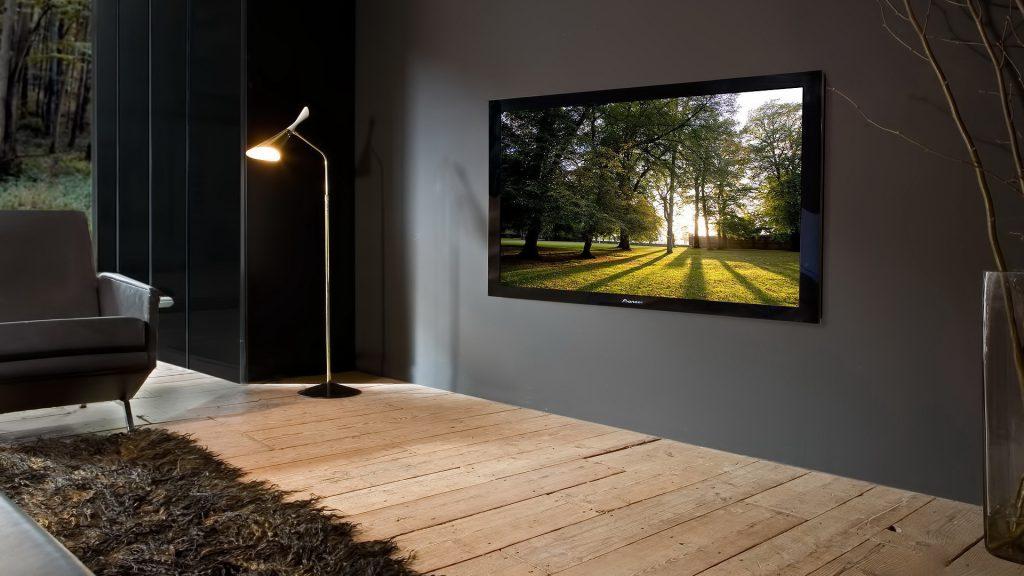 Телевизор в гостиной в скандинавском стиле