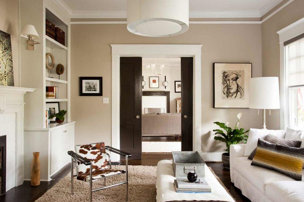 Раздвижные деревянные двери в квартире