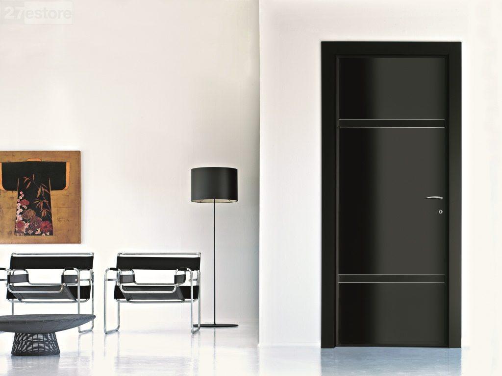 Черная входная металлическая дверь