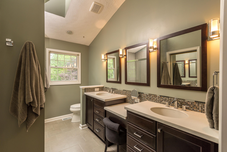 Сочетание коричневого цвета венге в ванной