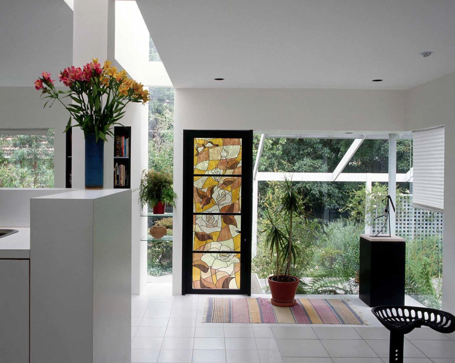 Витражи в интерьере (44 фото): художественное оформление квартиры или дома