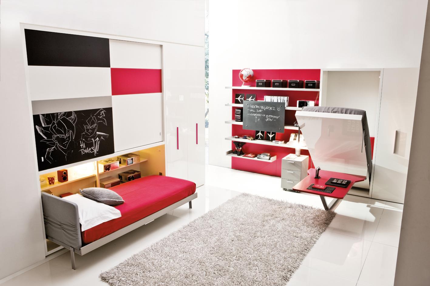 Две встроенные односпальные кровати в комнате