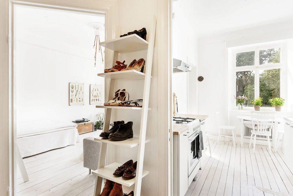 Полки для обуви из лестницы