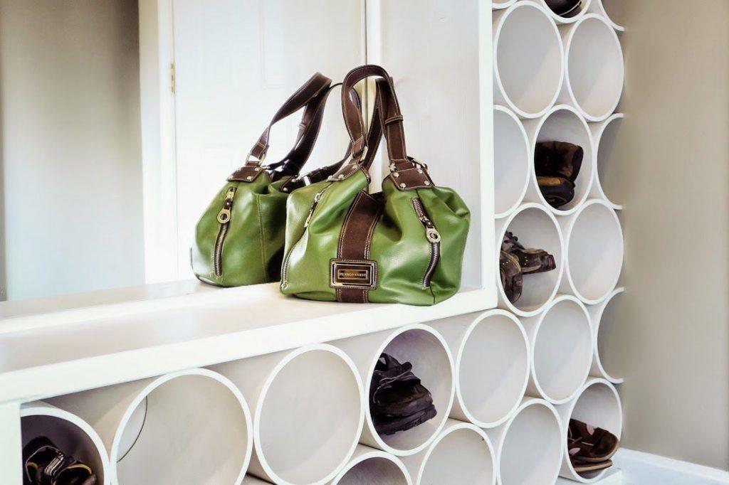 Круглые ячейки для хранения обуви в коридоре