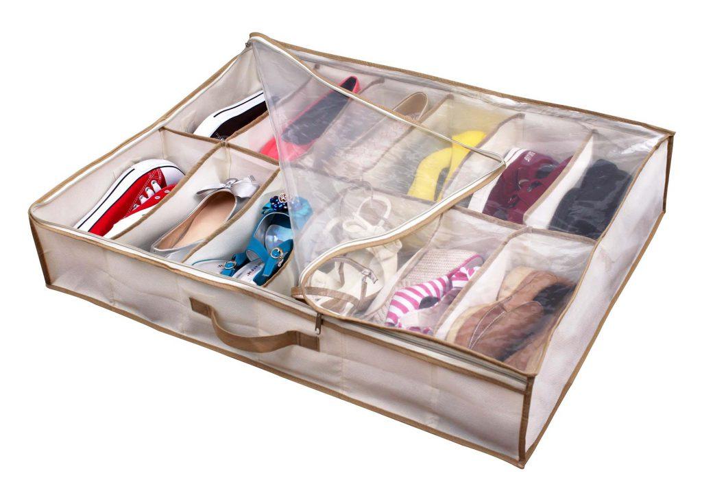 Большой кофр для хранения обуви можно поместить в шкаф