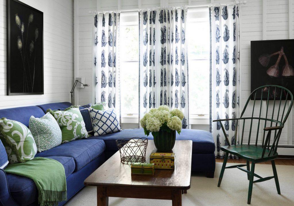 Синий и салатовый цвета в интерьере гостиной
