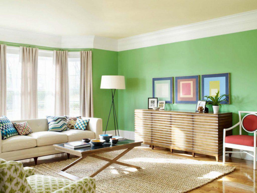 Зеленый и синий в интерьере гостиной