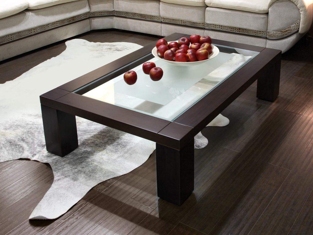 Прямоугольный столик из коричневого пластика и стекла