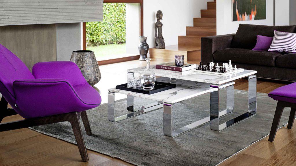 Удобный комплект из двух журнальных столиков с каменной столешницей