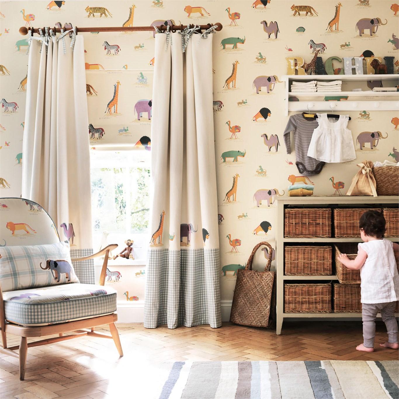 Дизайн штор для детской комнаты со зверями