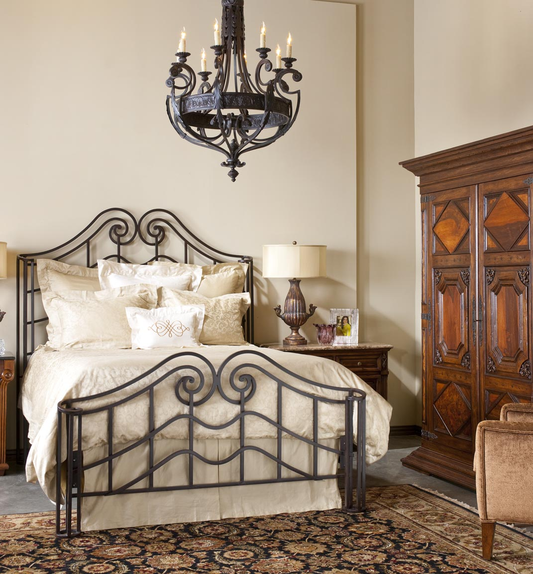 Кованая кровать в английском стиле