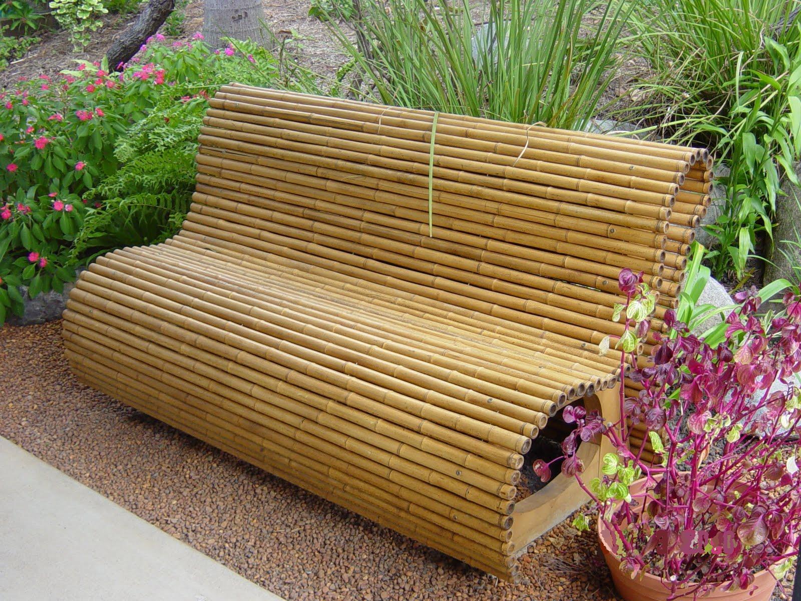 Бамбуковая скамейка для дачи