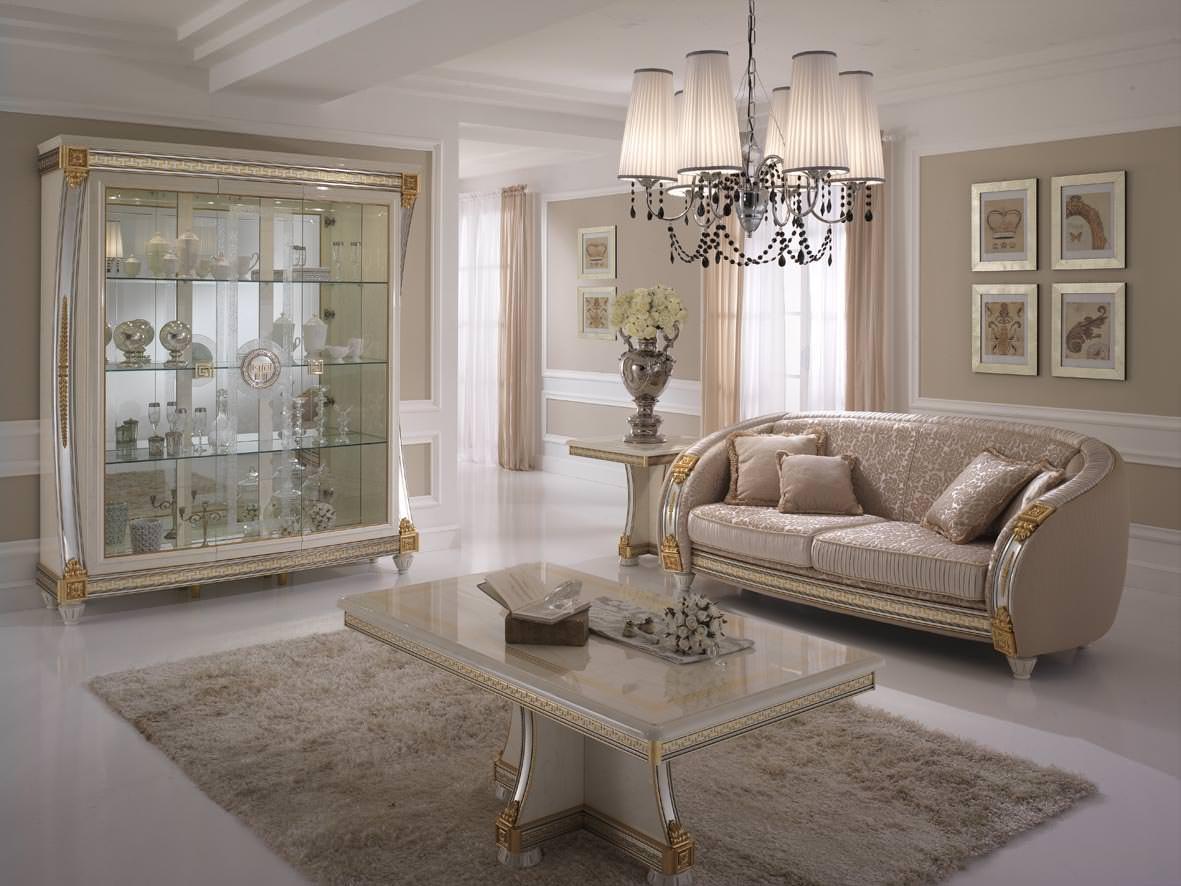 Гостиная в пастельных тонах в стиле барокко