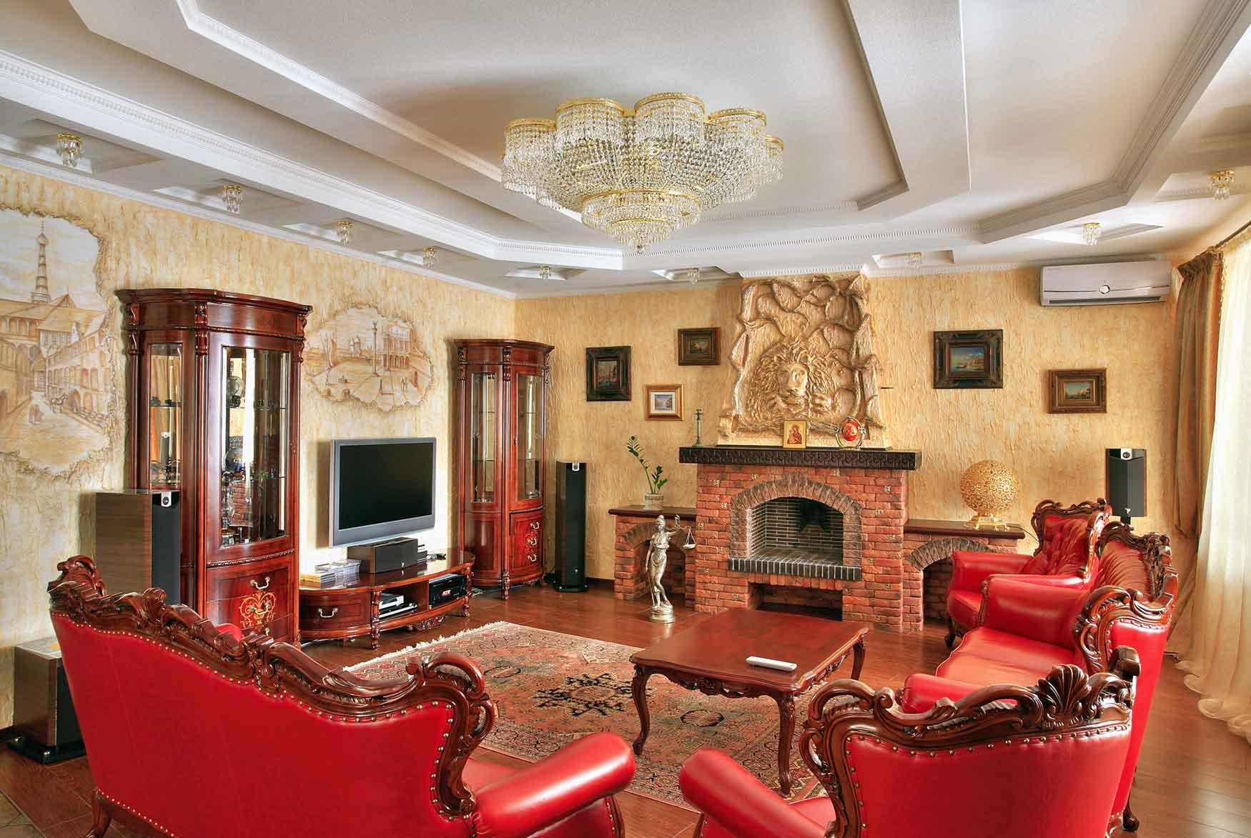 Бежевый, красный и белый цвета в интерьере гостиной в стиле барокко