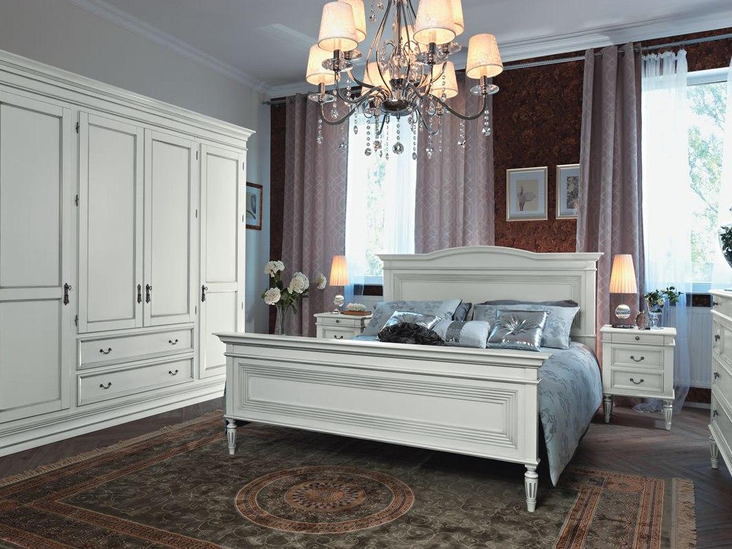 Белая мебель в спальне в стиле прованс