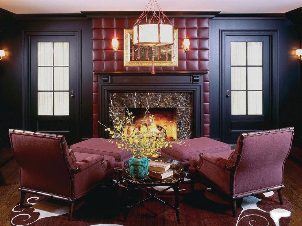 Бордовый, черный и коричневый цвета в интерьере гостиной