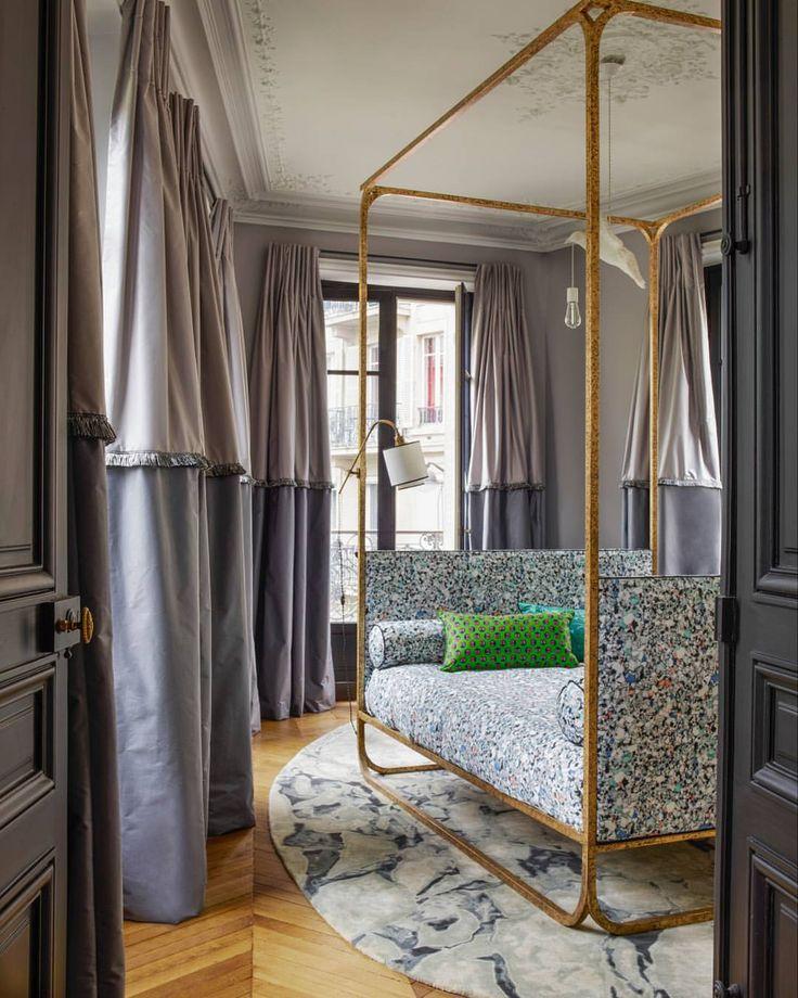 Кованая кровать под бронзу