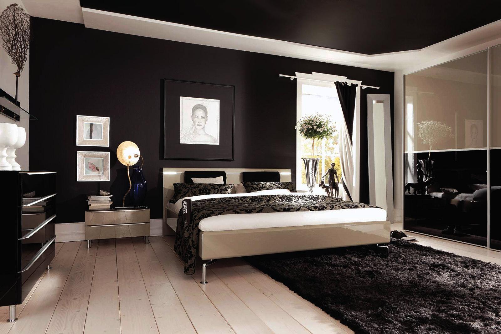 Черно-белый красивый потолок в спальне