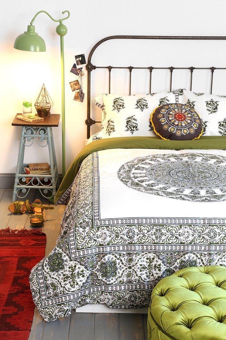 Оливковый цвет в декоре интерьера