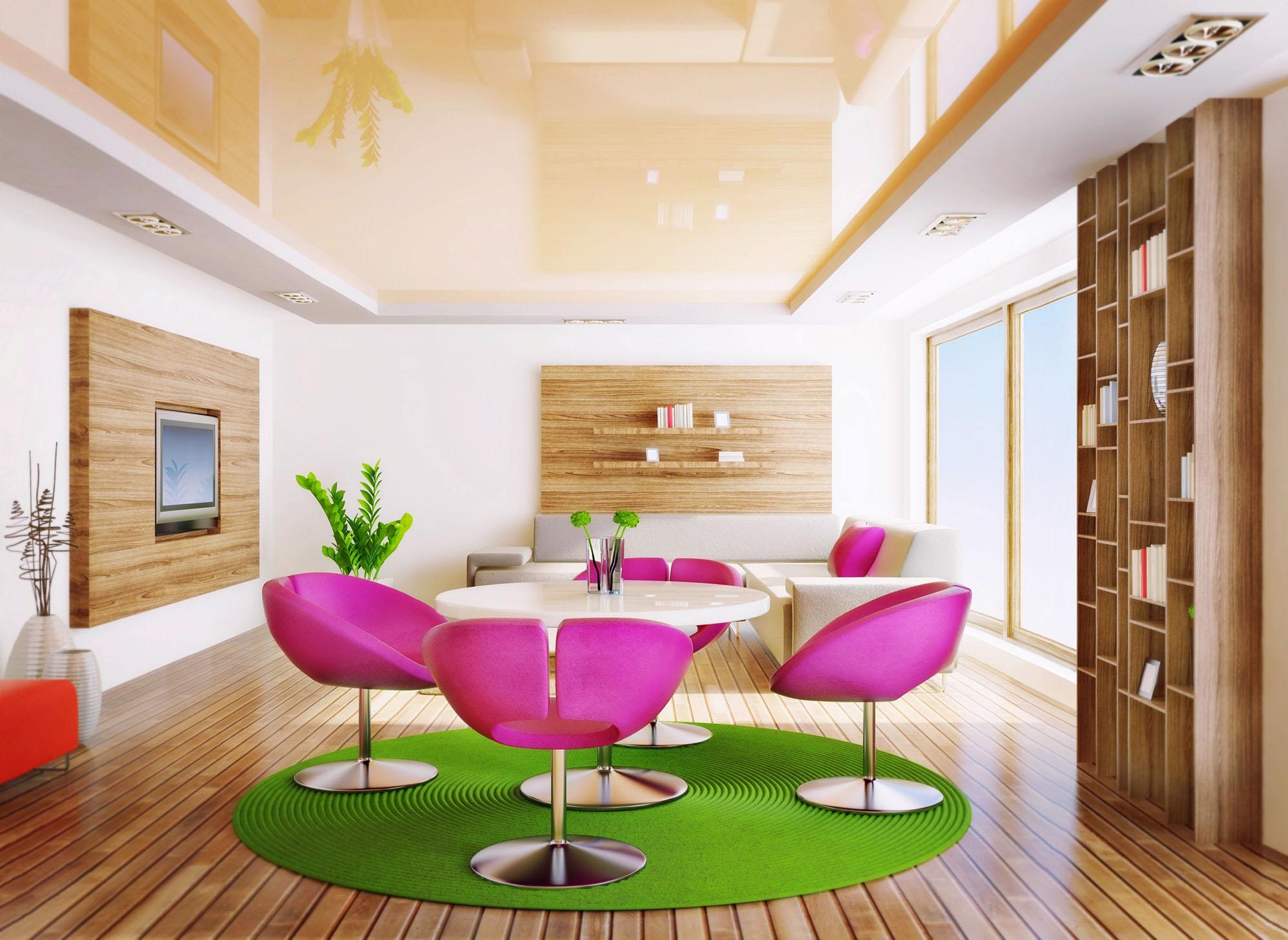 Бежево-белый натяжной потолок в гостиной