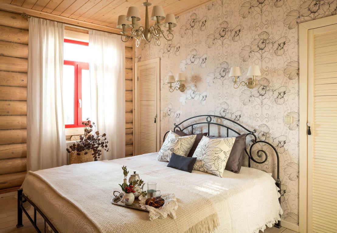 Кремовая спальня в стиле кантри