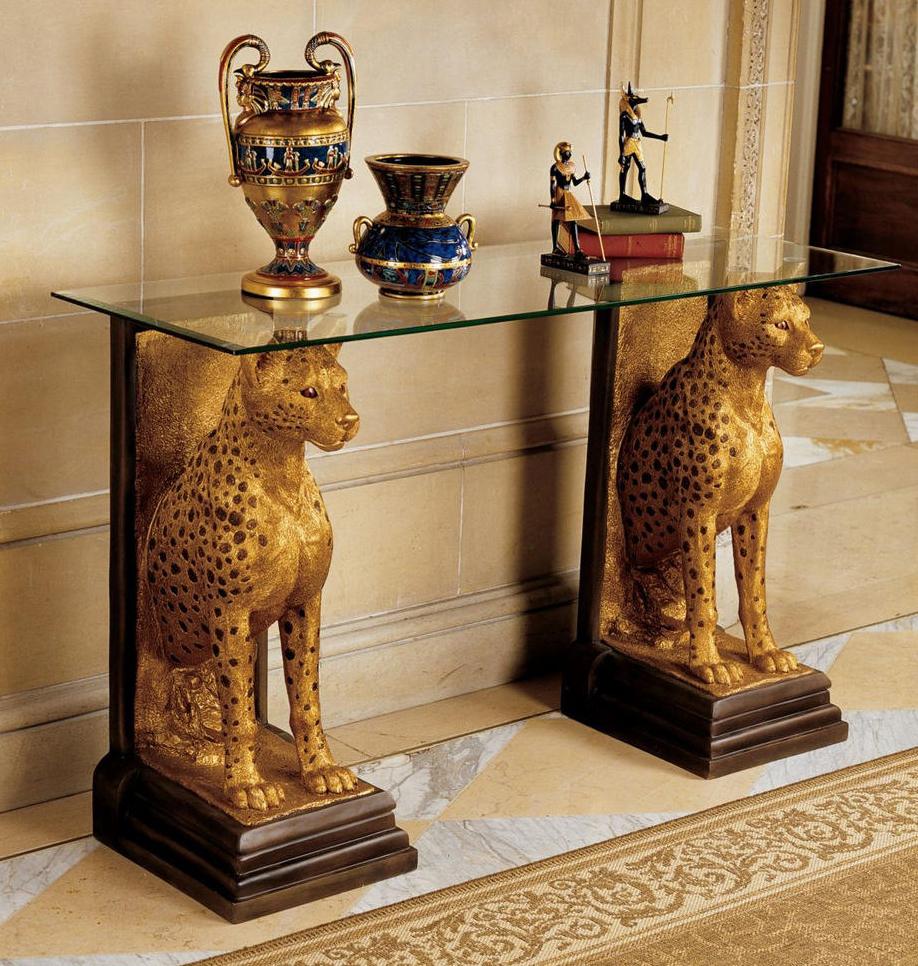 Стол в египетском стиле, у которого роль ножек выполняют два леопарда
