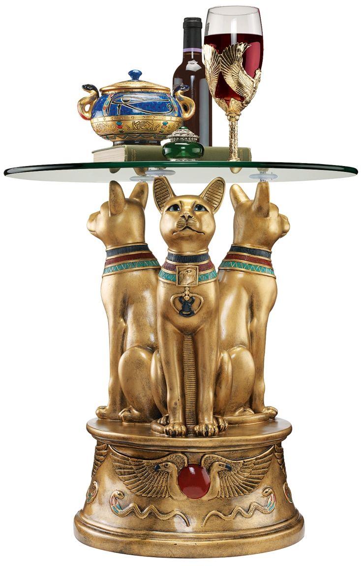 Круглый стол в египетском стиле