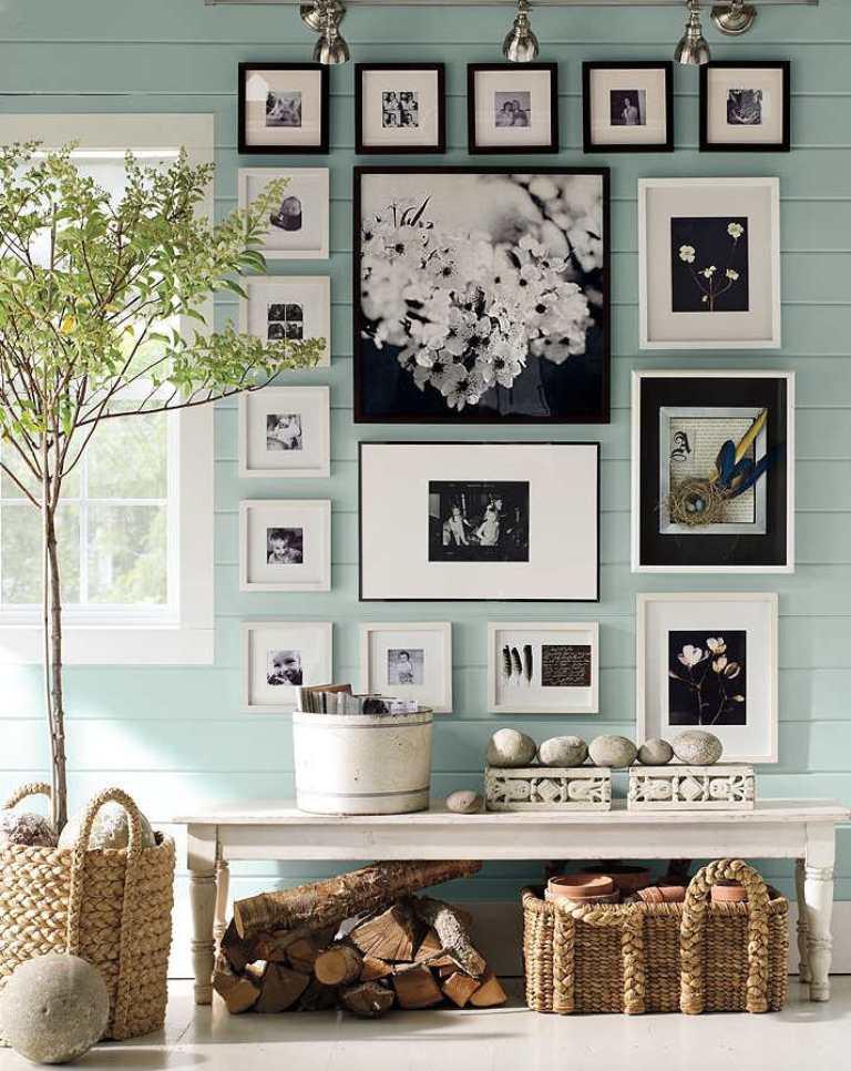 Пример красивого расположения фотографий на стене