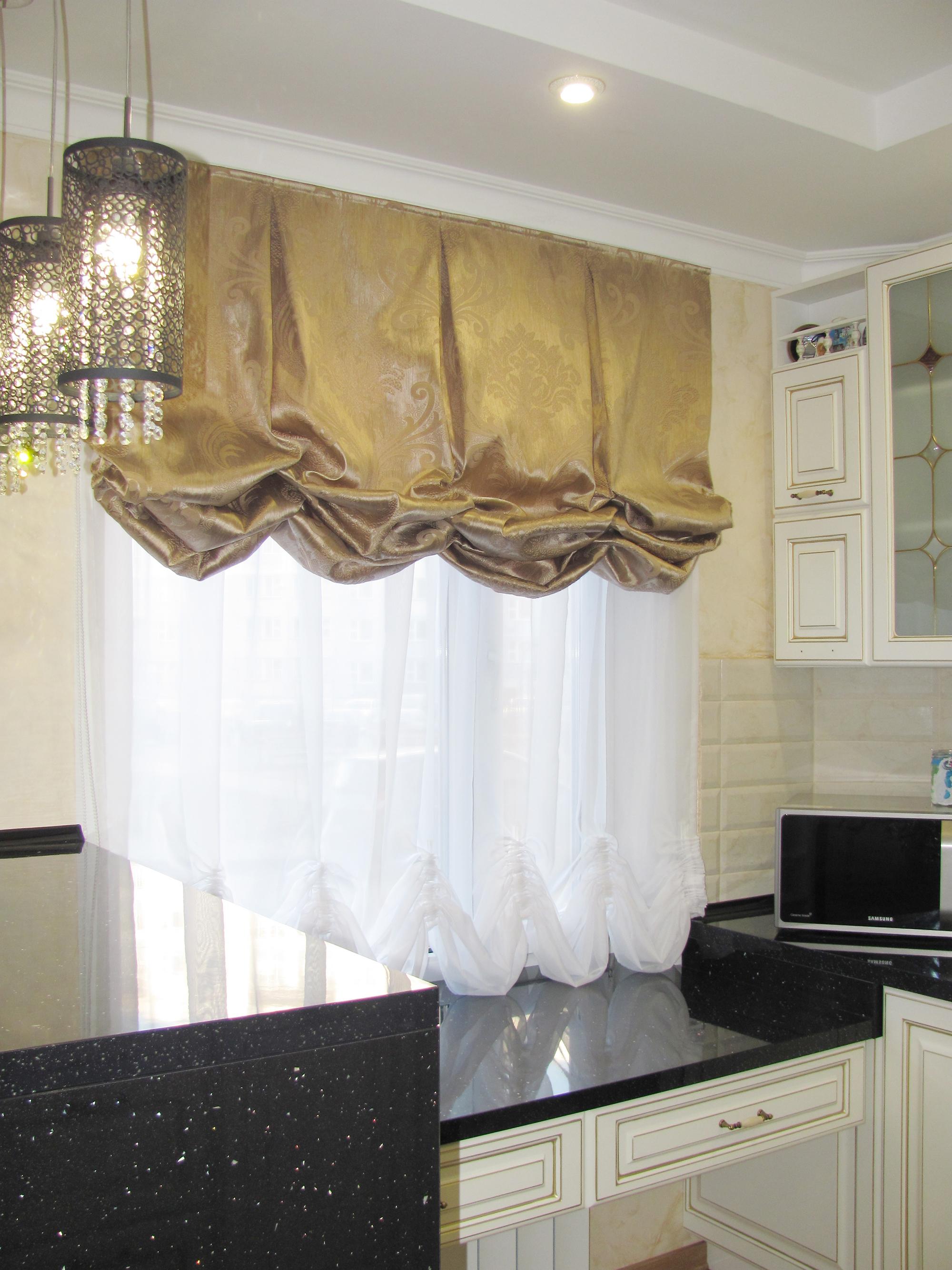 Красивые французские шторы на кухне