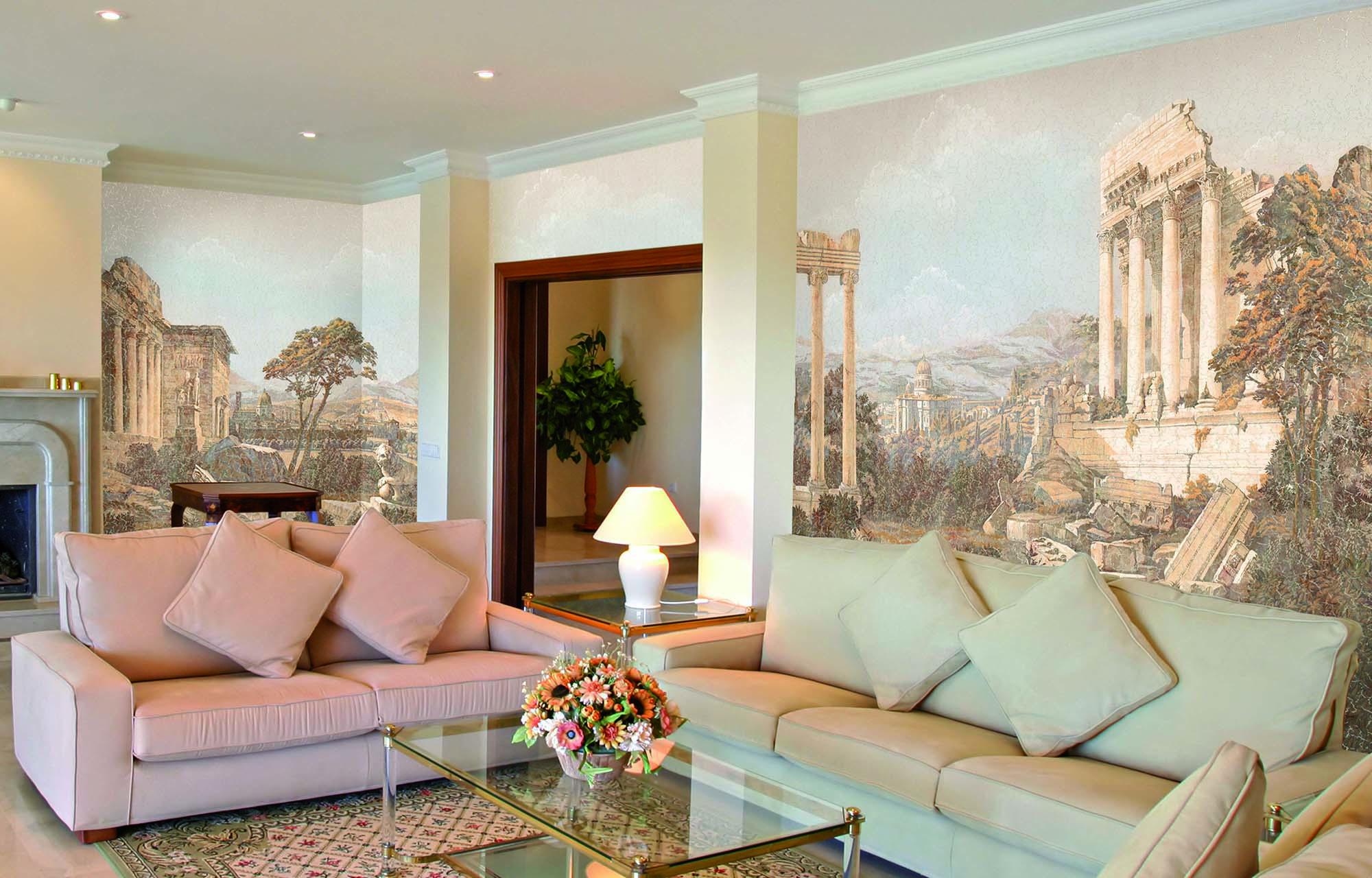 Фреска в спокойных тонах в гостиной
