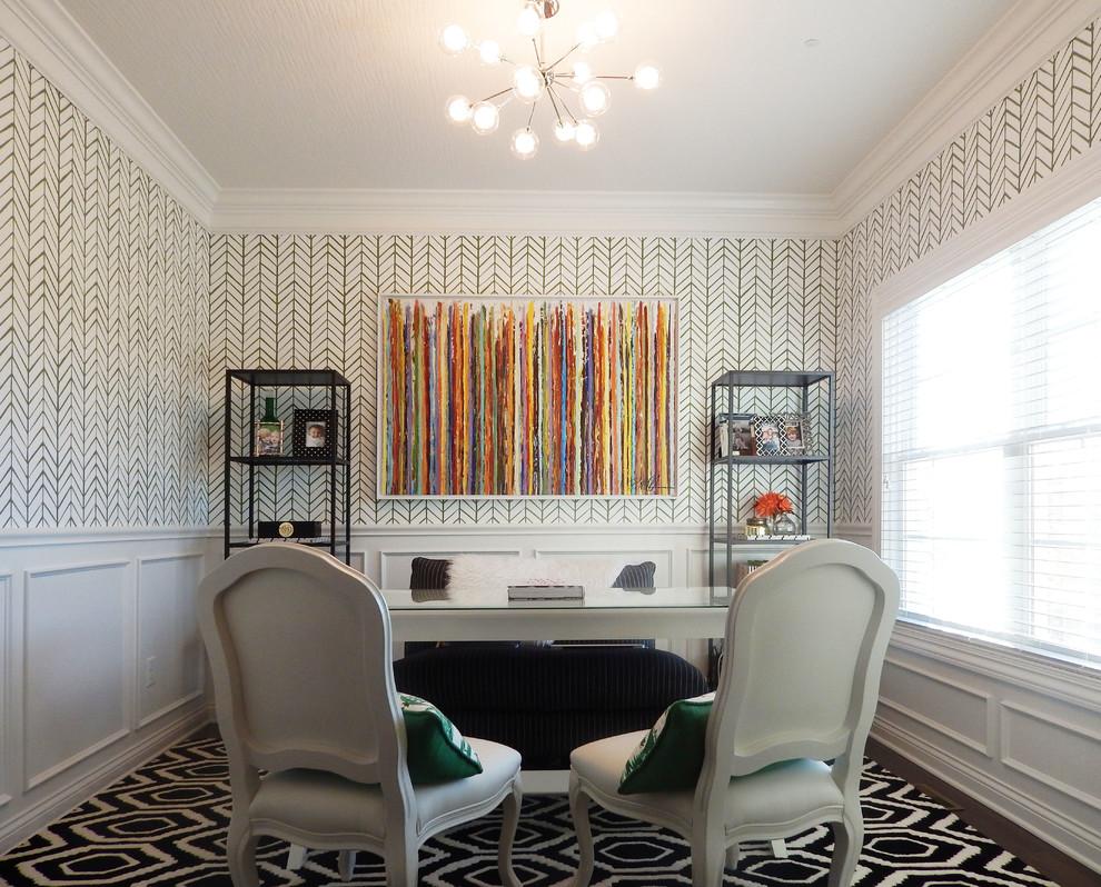 Спальня с рабочим кабинетом в геометрическом дизайне