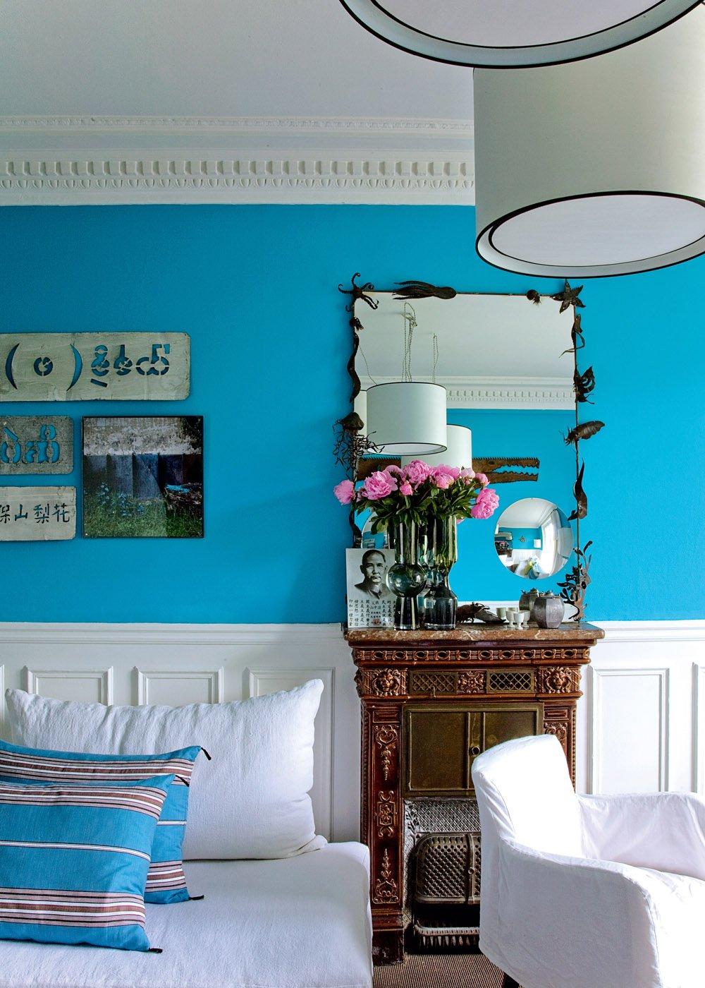 Ярко-голубой цвет в интерьере