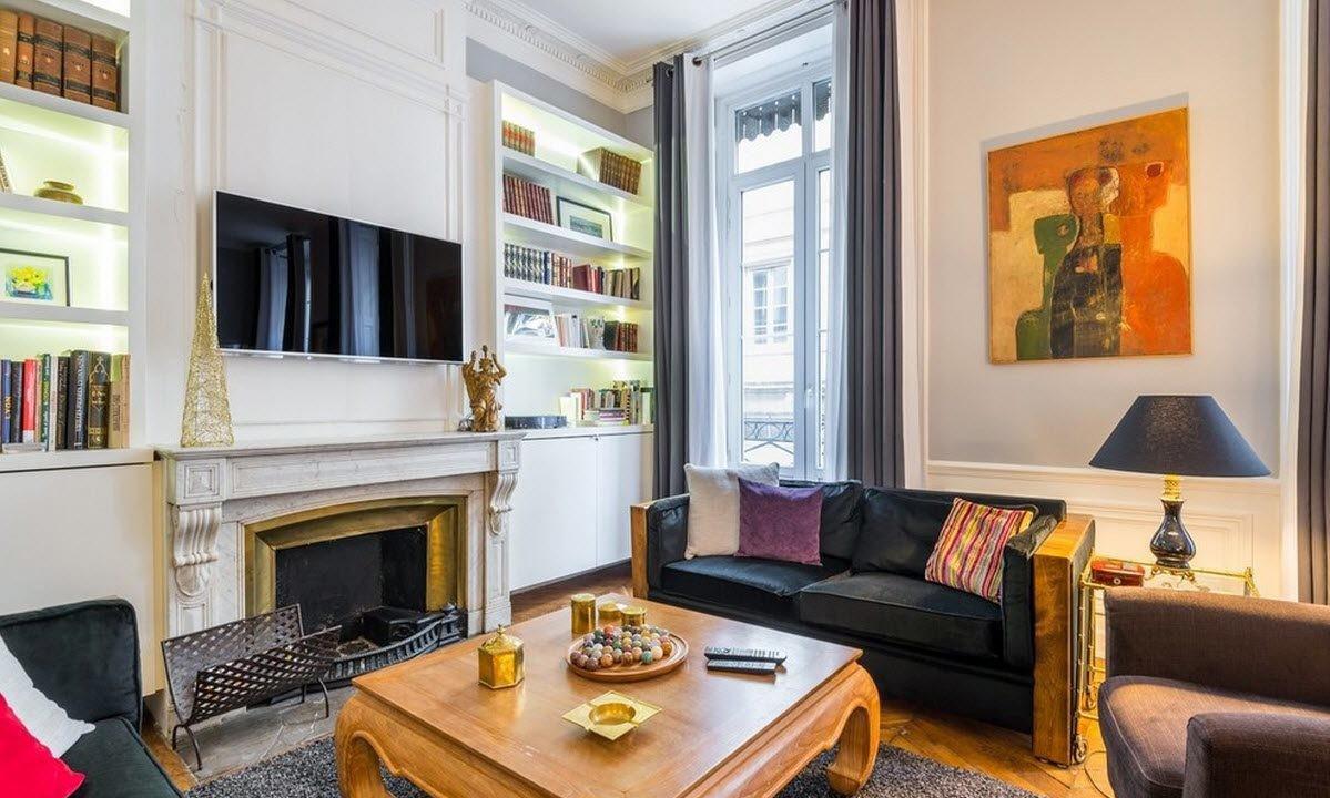 Светлая гостиная в стиле модерн с камином