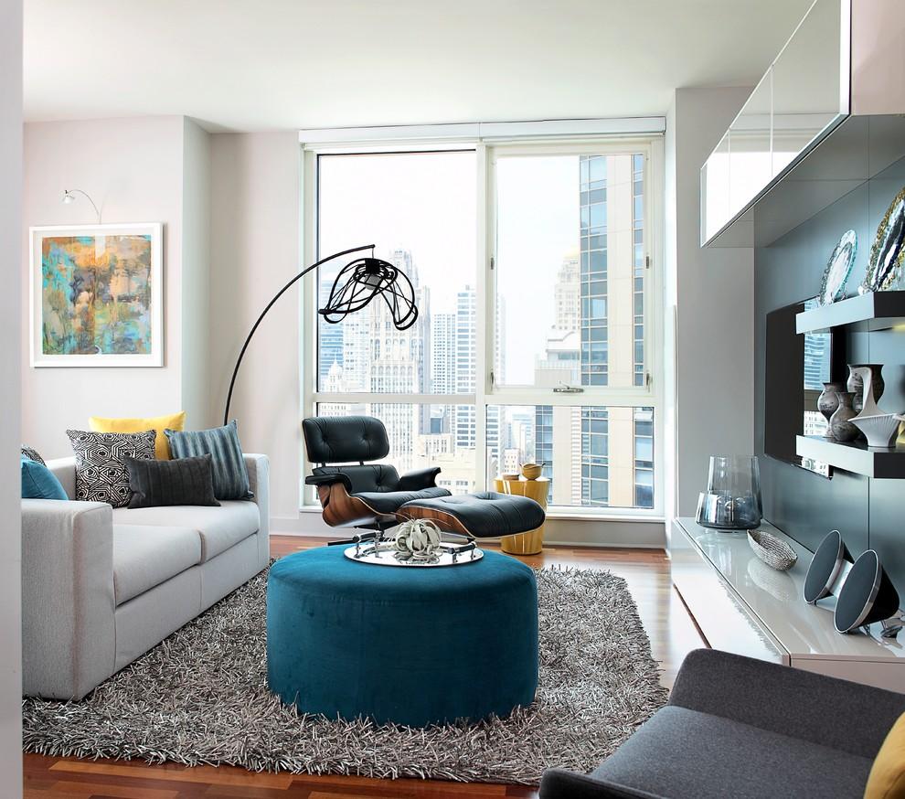 Небольшая гостиная в стиле модерн в квартире