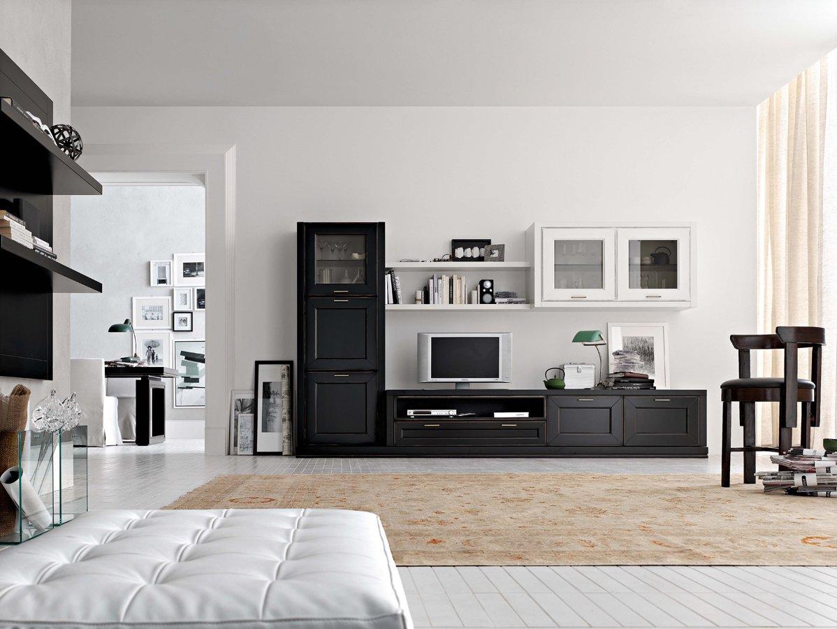 Просторная черно-белая гостиная