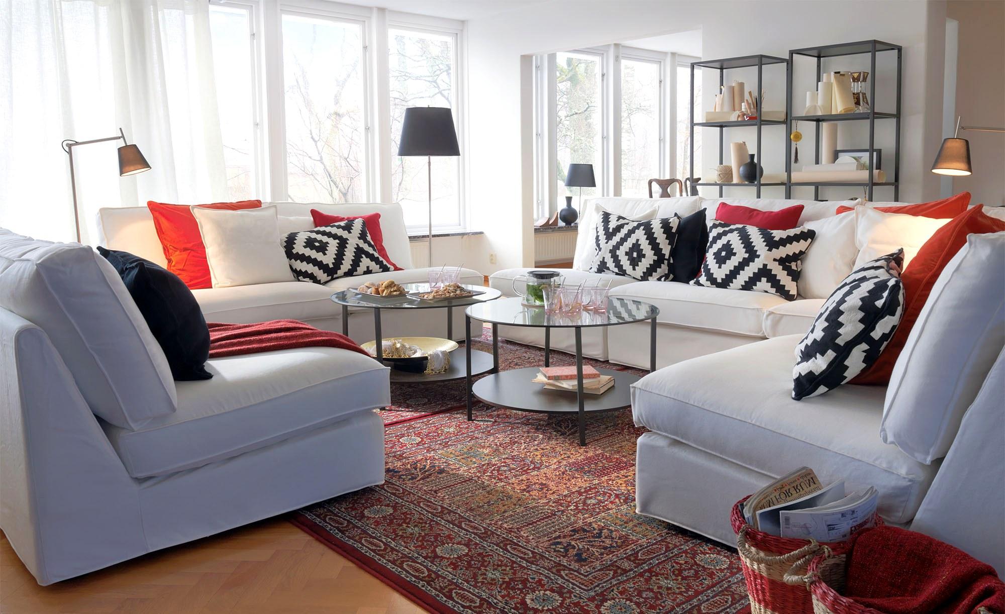 Уютная гостиная в скандинавском стиле в частном доме