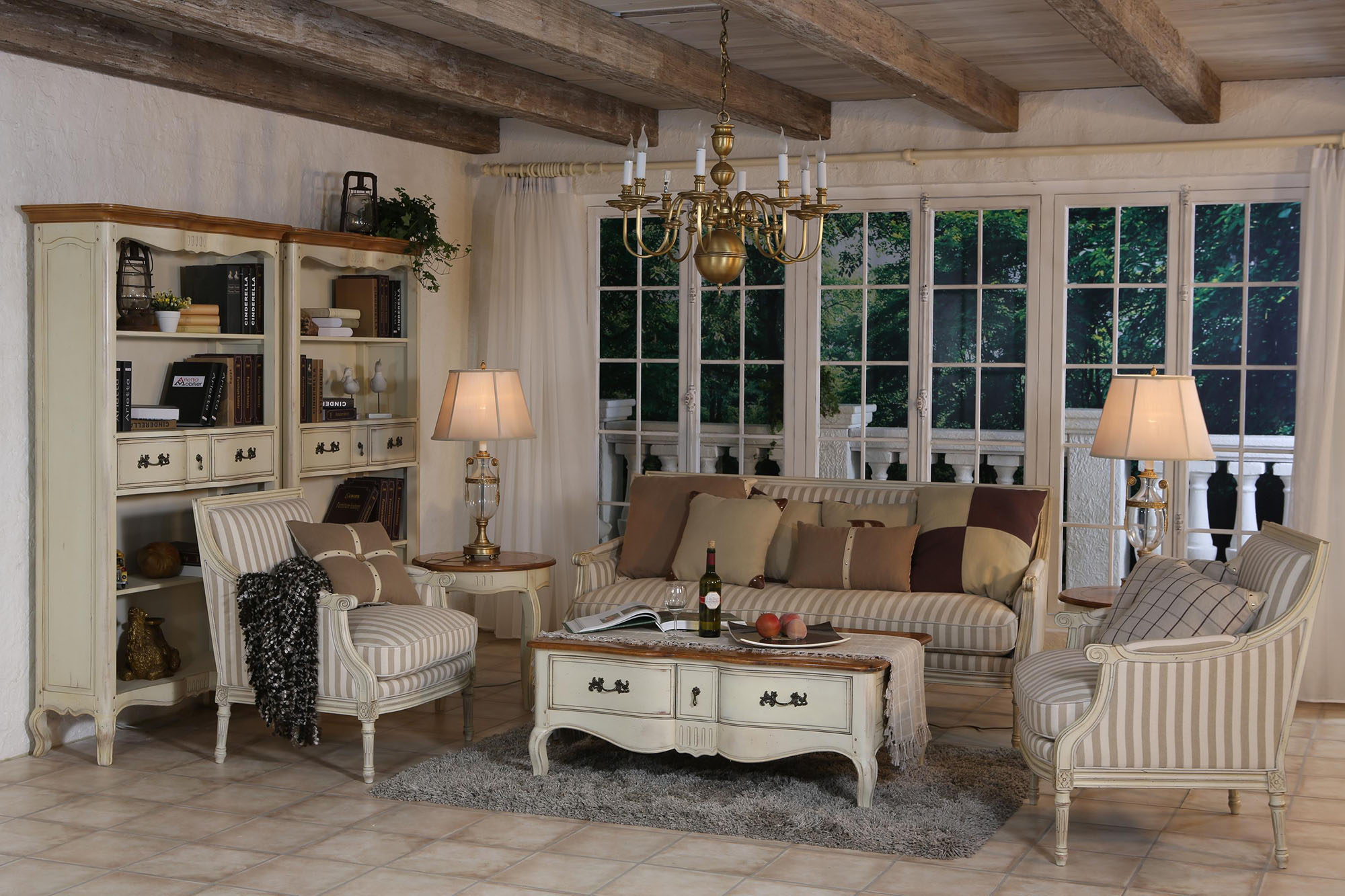 Красивая гостиная с балками в стиле прованс