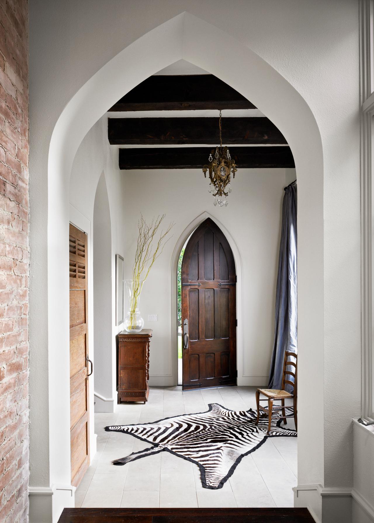 Арки в готическом стиле в интерьере