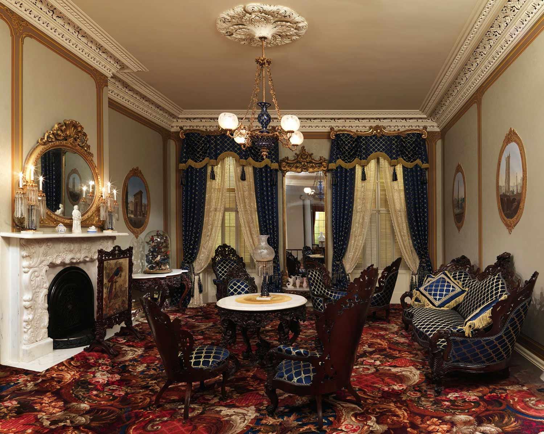 Контрастный интерьер с налетом готического стиля