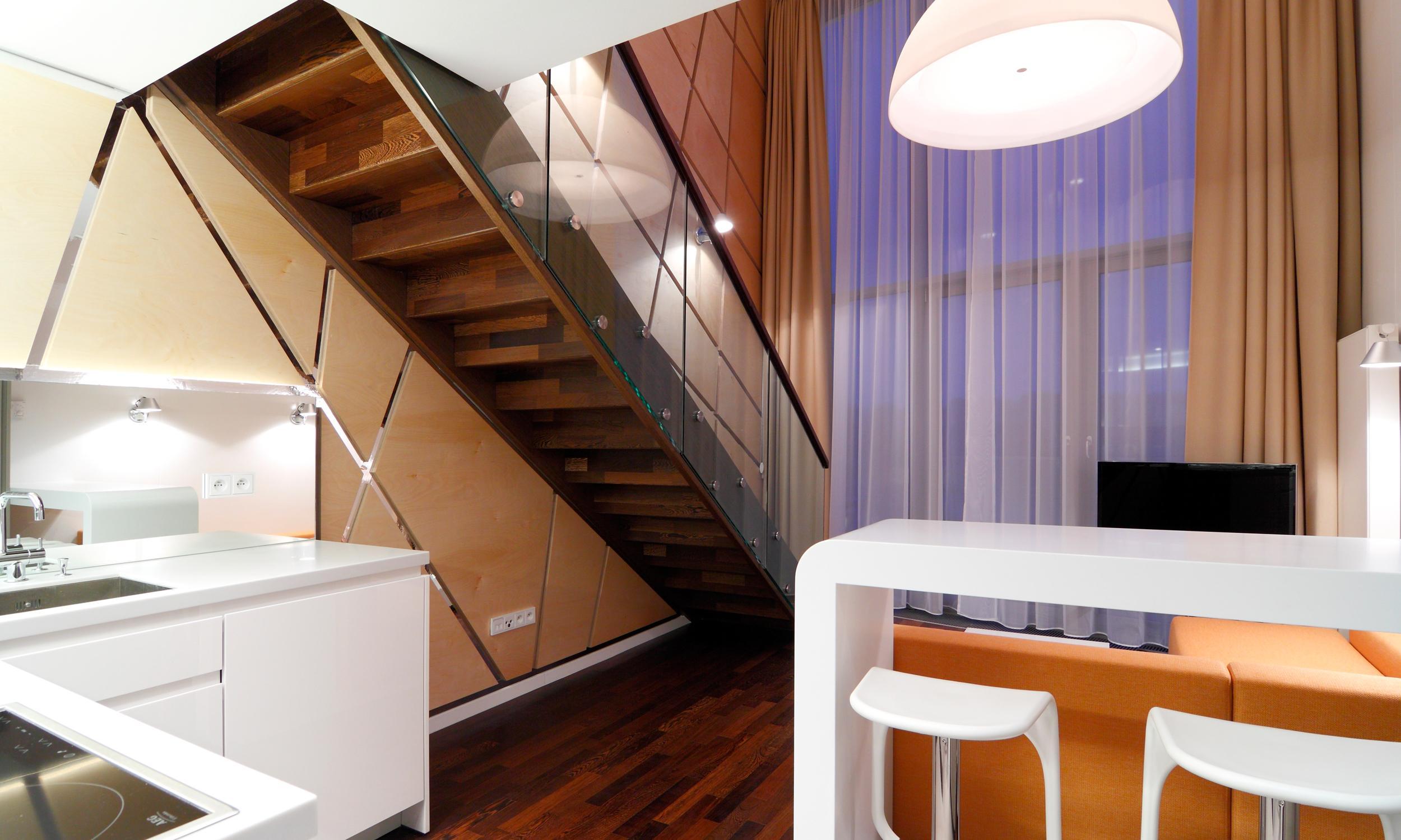 Двухуровневая квартира в стиле хай-тек